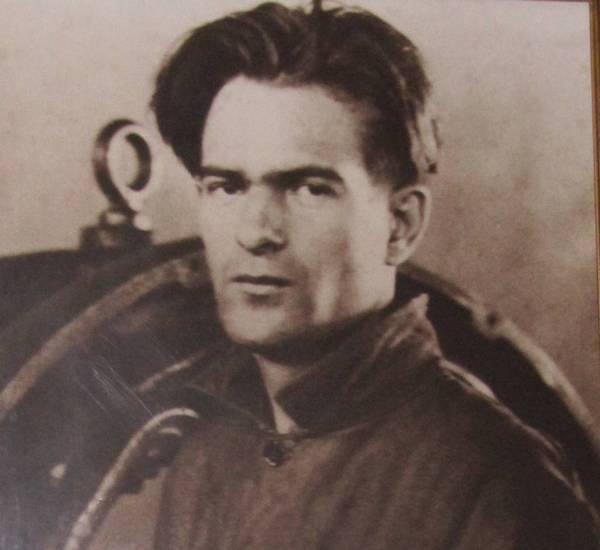 NIKOLA VAPTSAROV- ŞİİRLİCUMA